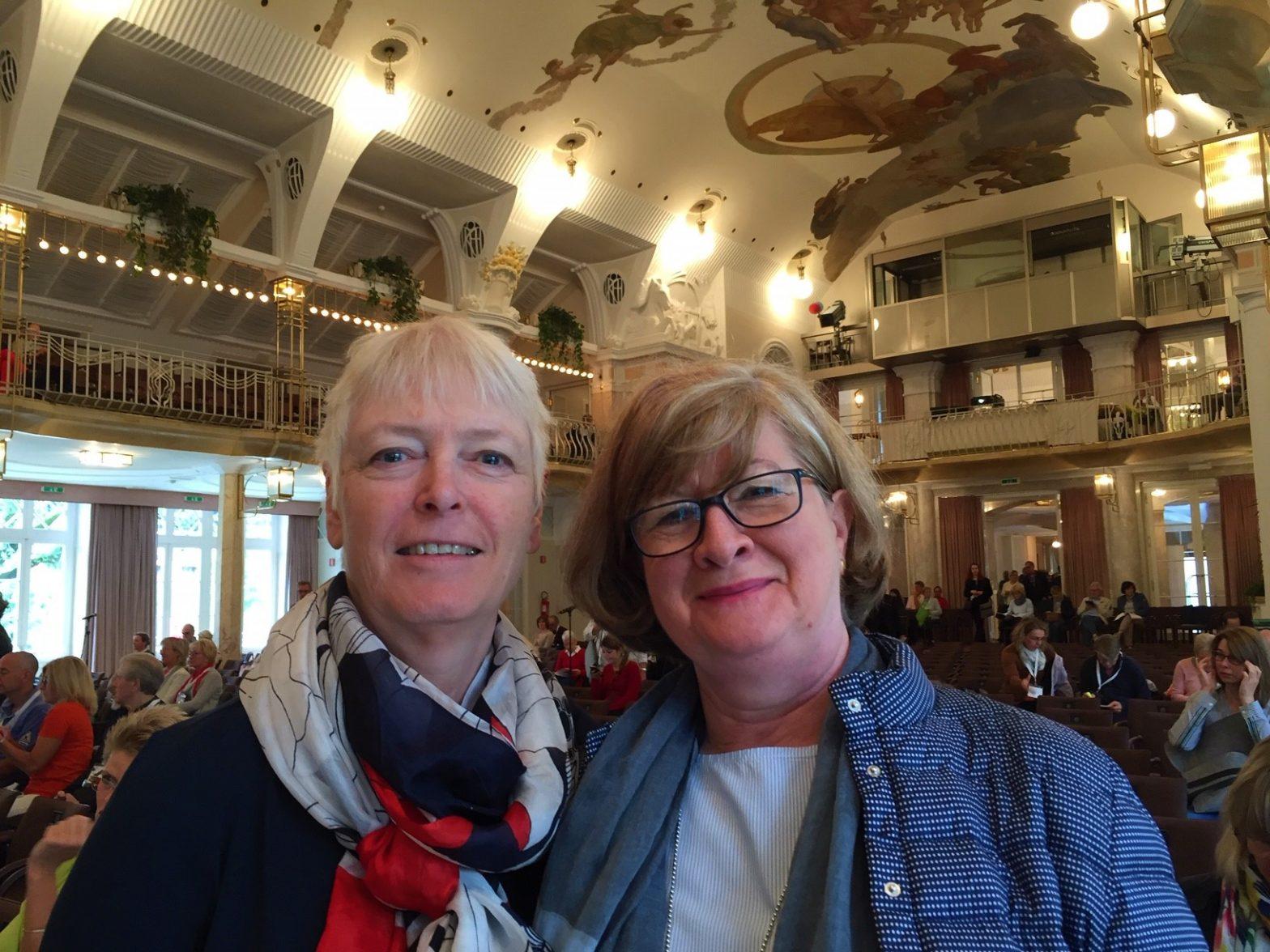 Annette van Gessel und Gabriele Neumann beim Pharmacon Meran 2019